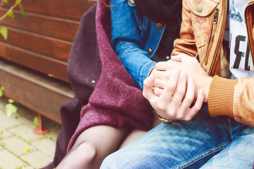 руки молодых людей картинки пасхи